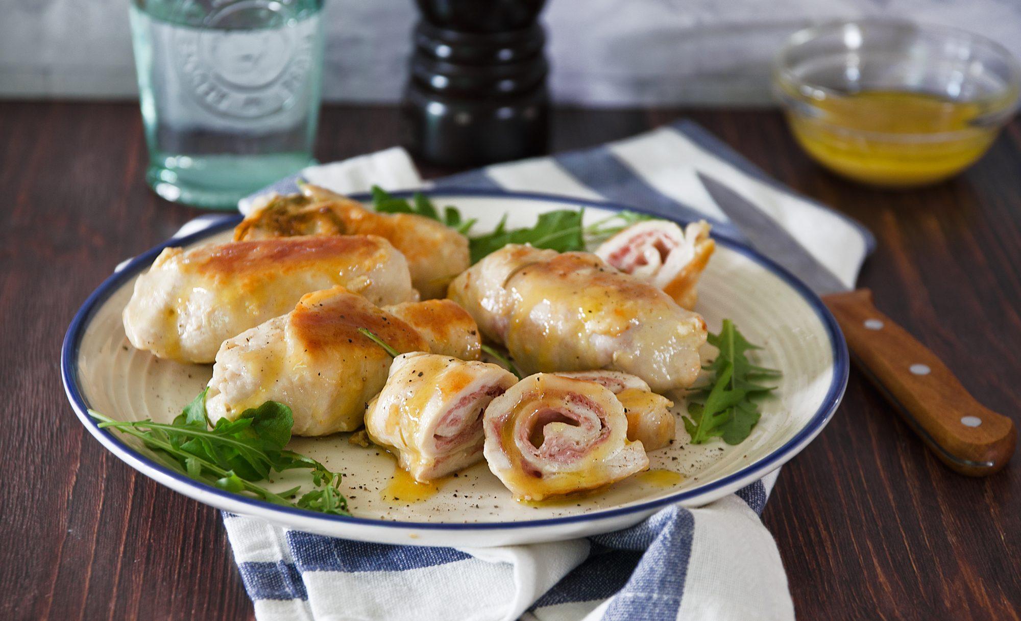 Involtini di pollo: la ricetta del piatto gustoso e filante