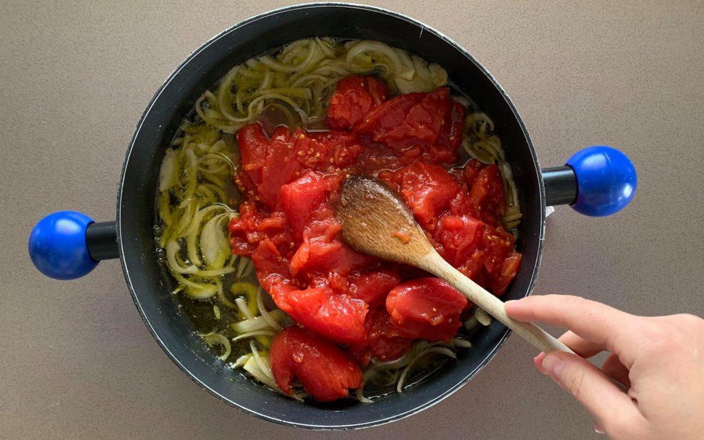 aggiungere pomodori