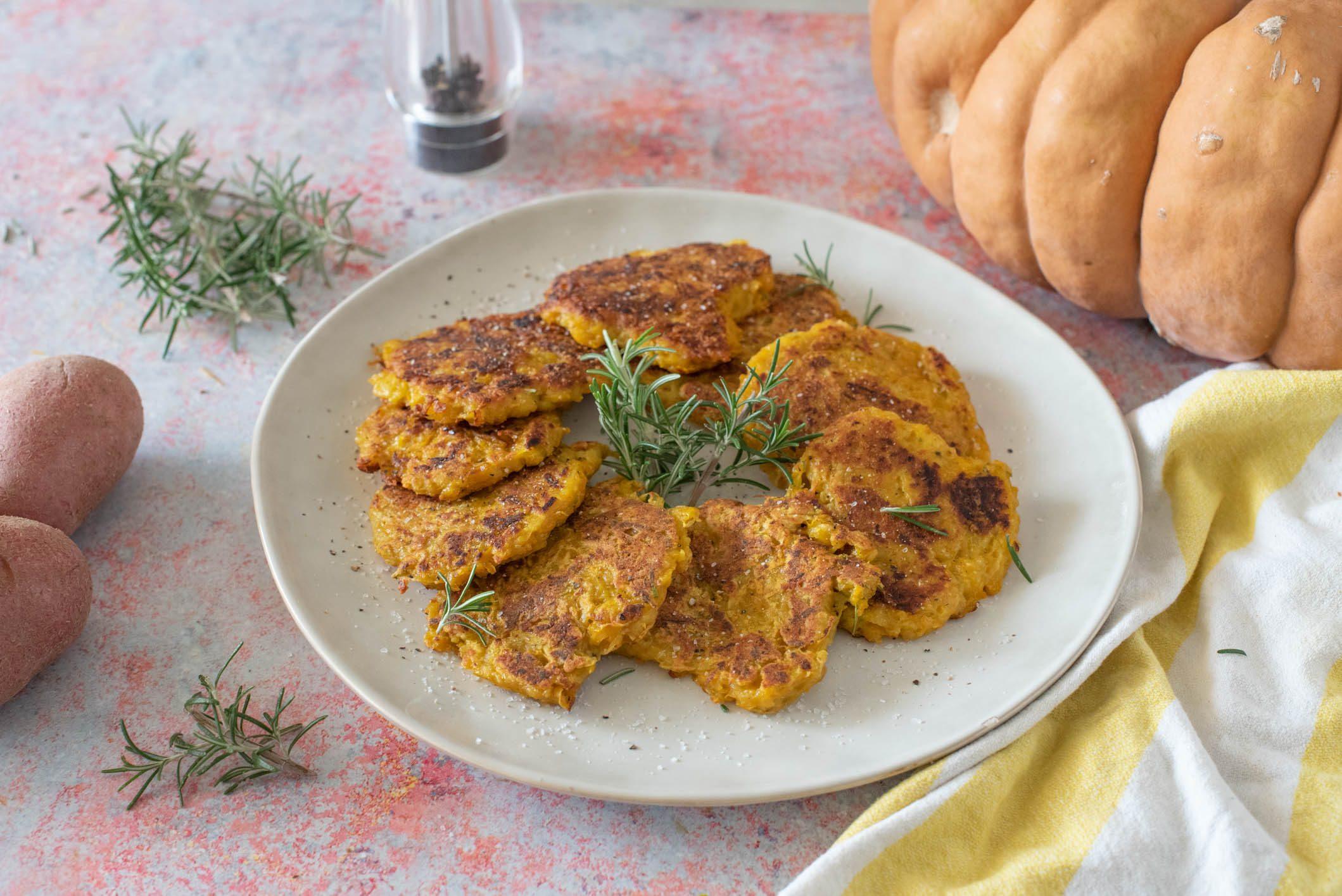 Rösti di zucca e patate: la ricetta della variante colorata e sfiziosa