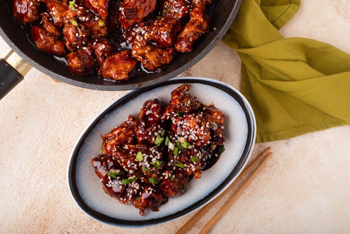 Bocconcini di pollo al sesamo: la ricetta del secondo piatto orientale semplice e goloso