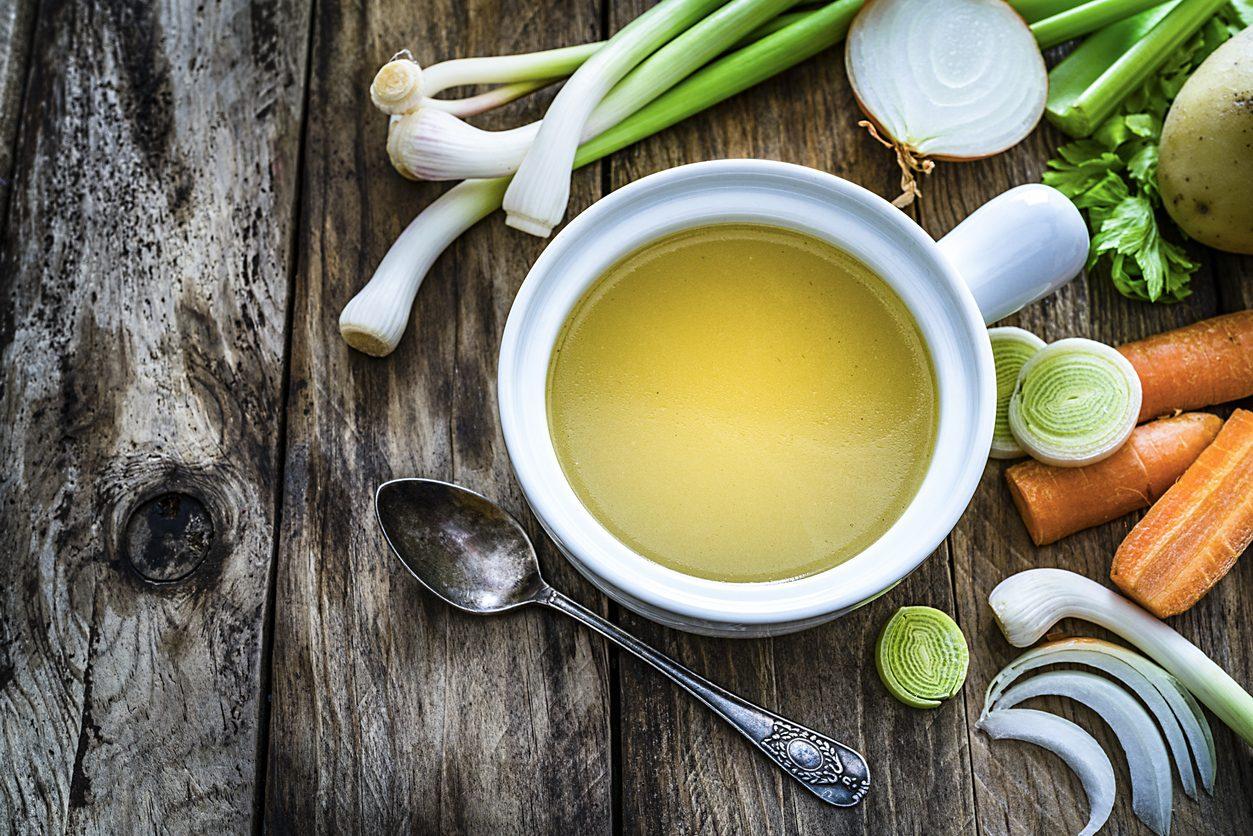 Brodo vegetale: tutti gli errori da non commettere per prepararlo ricco e profumato