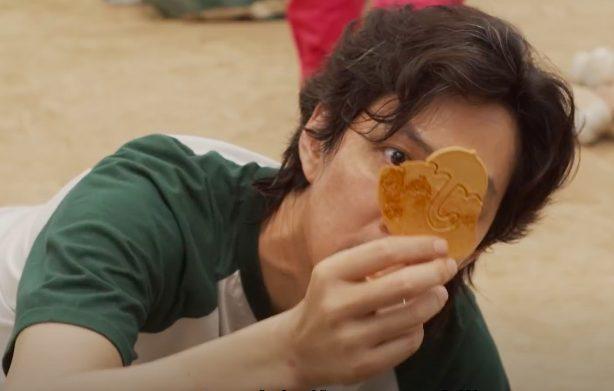Cos'è il dalgona: il biscotto zucchero e bicarbonato che appare in Squid Game
