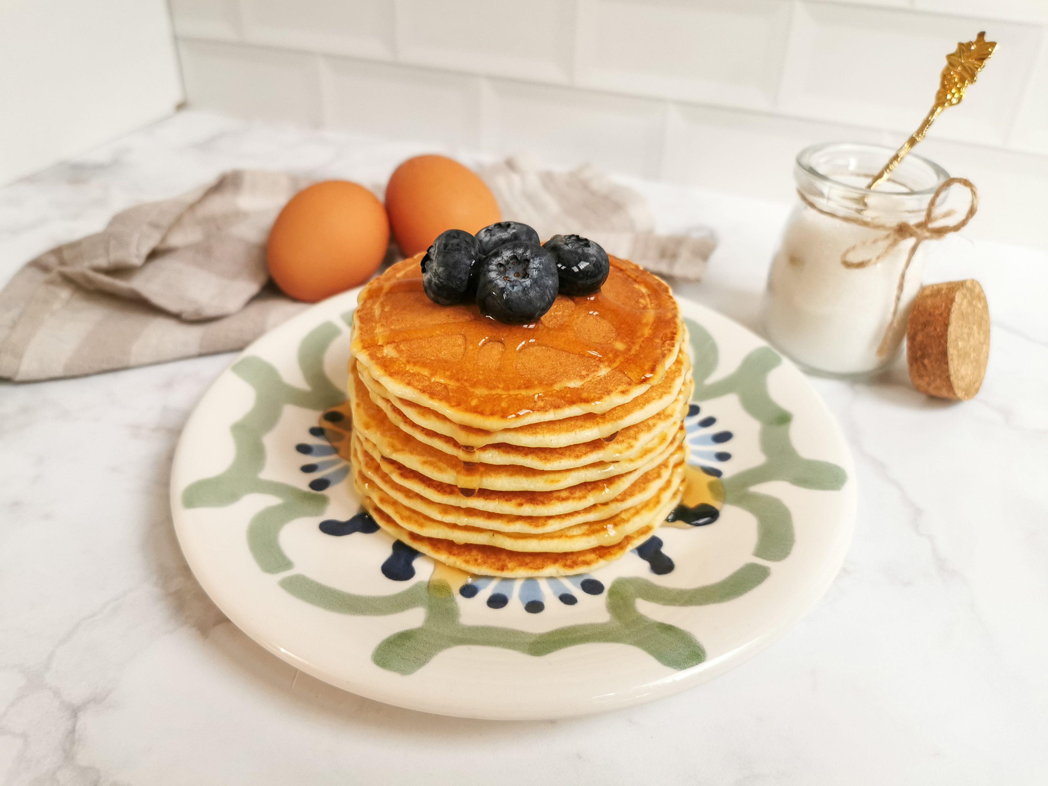 Pancakes allo sciroppo d'acero: la ricetta delle celebri frittelle dolci americane