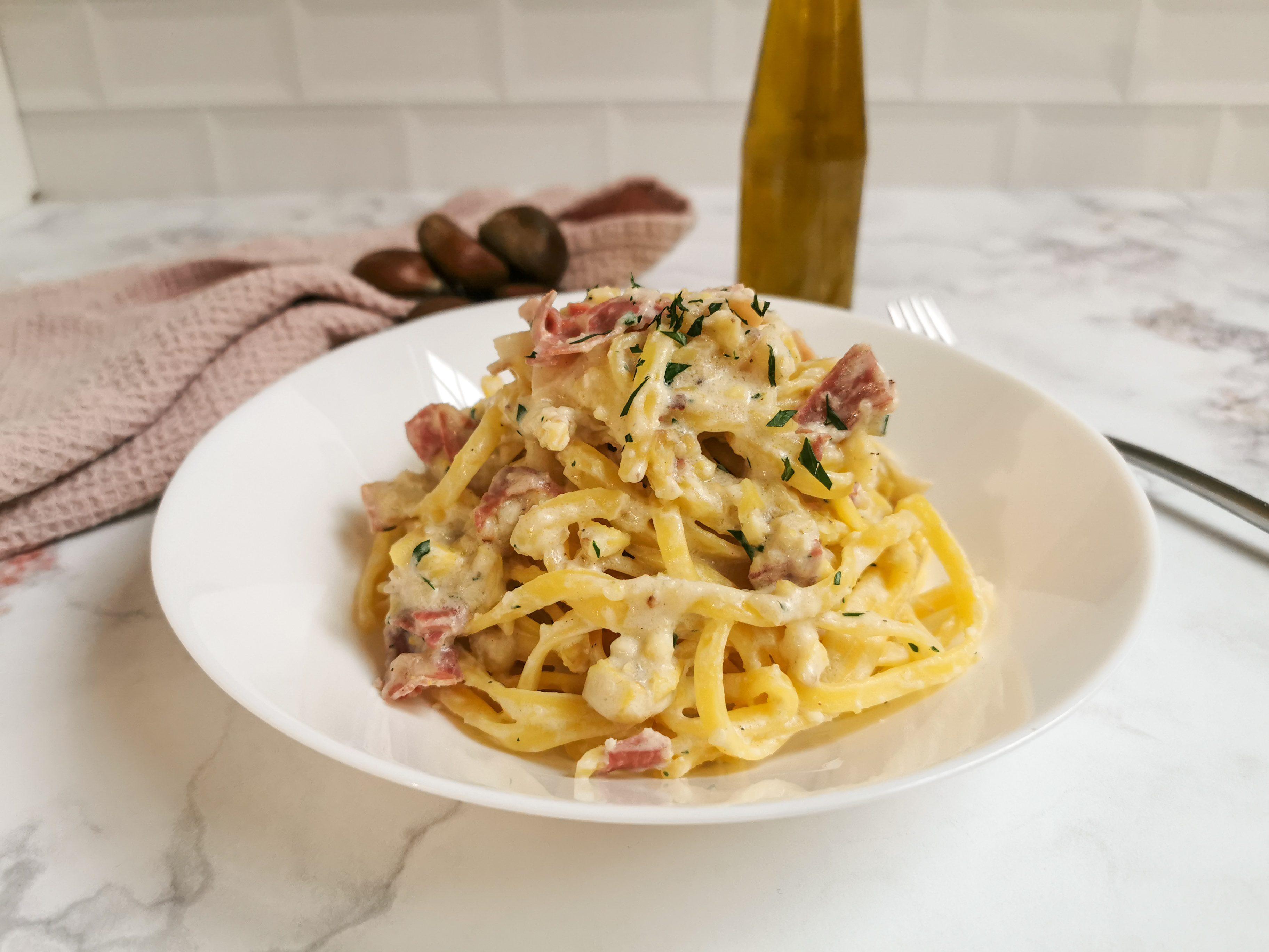 Tagliolini con sugo di castagne e pancetta: la ricetta del primo piatto goloso e semplice