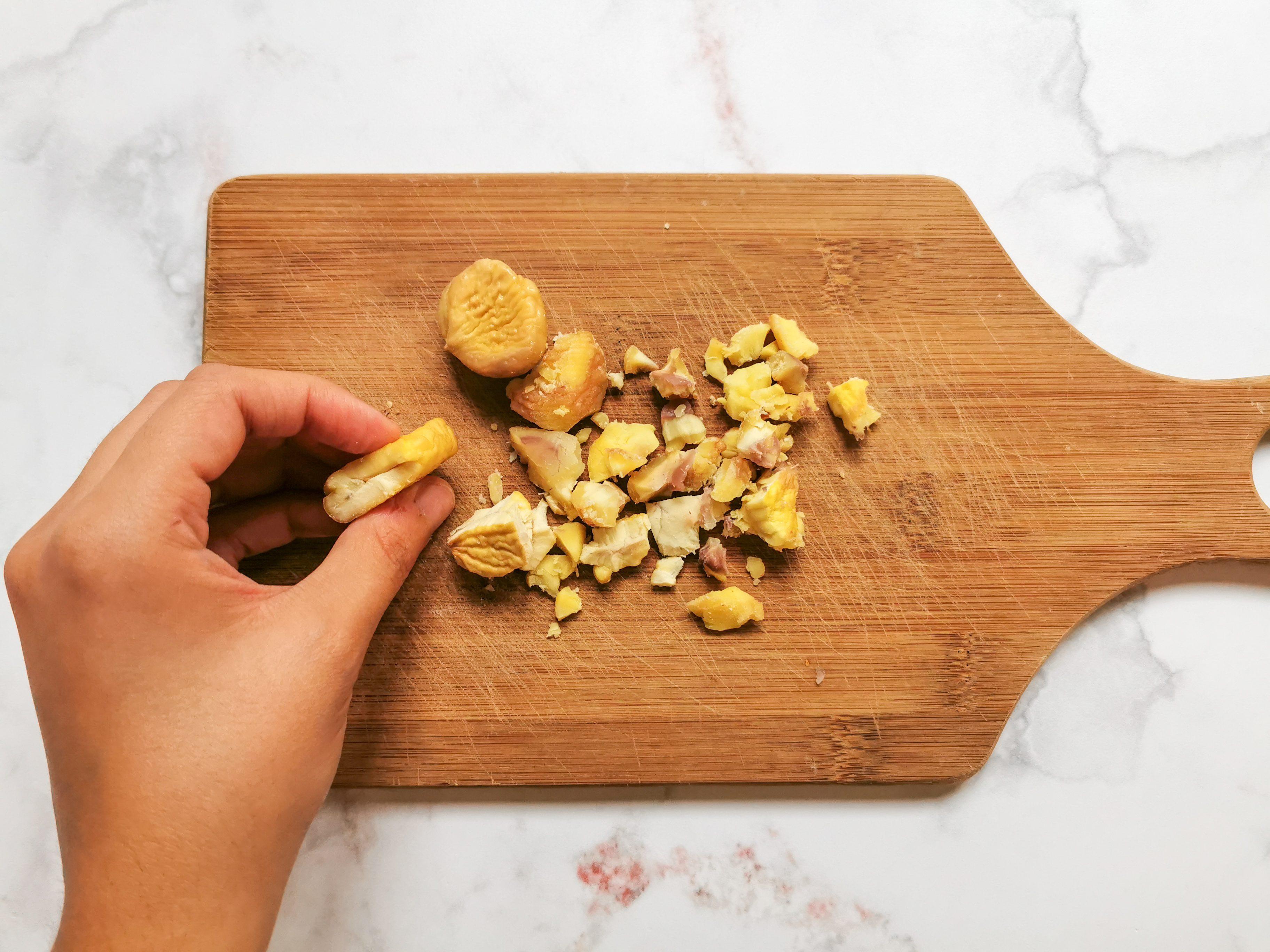 Tagliolini con sugo di castagne e pancetta